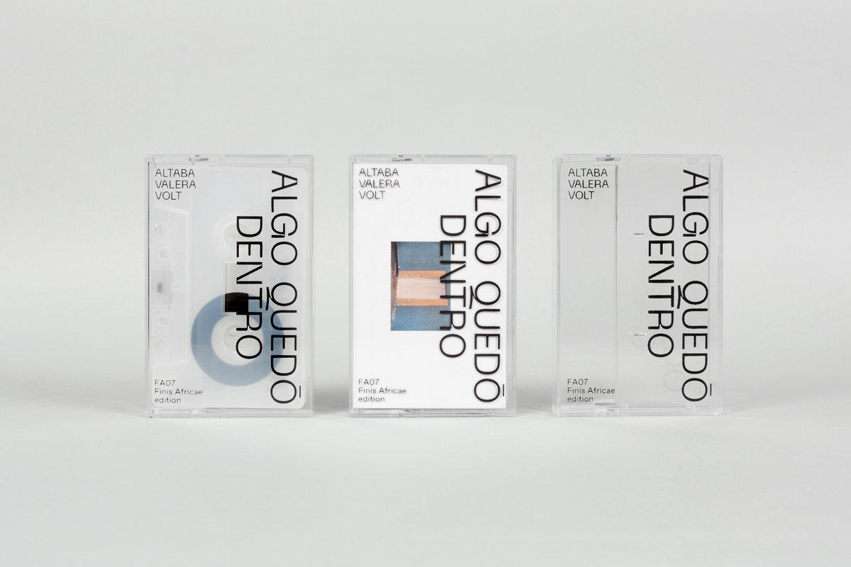 casettes de l'edició de la formació Algo Quedó Dento, de Valera Altaba Volt